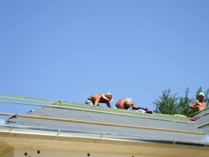 Előkészítjük a tetőt a zsindelyezéshez